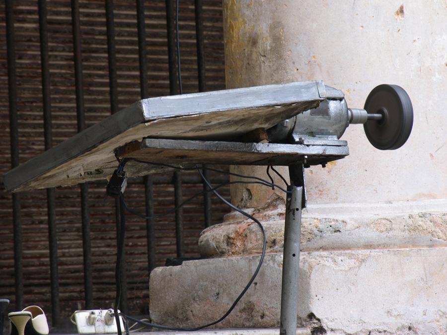 Inventos cubanos Motor-aurika-uso-de-zapatero-2